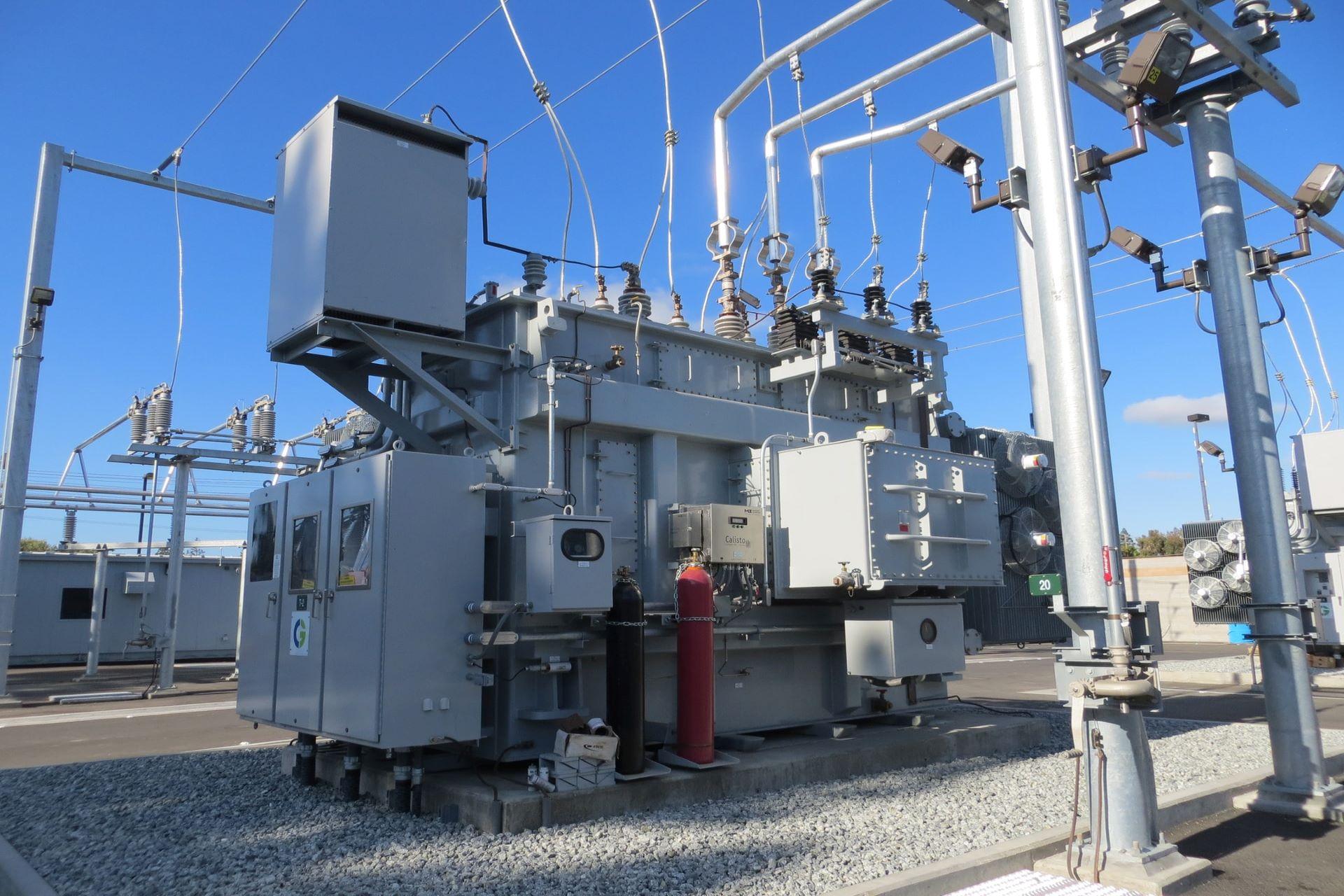 産業用装置・重電設備のコーポレートサイト