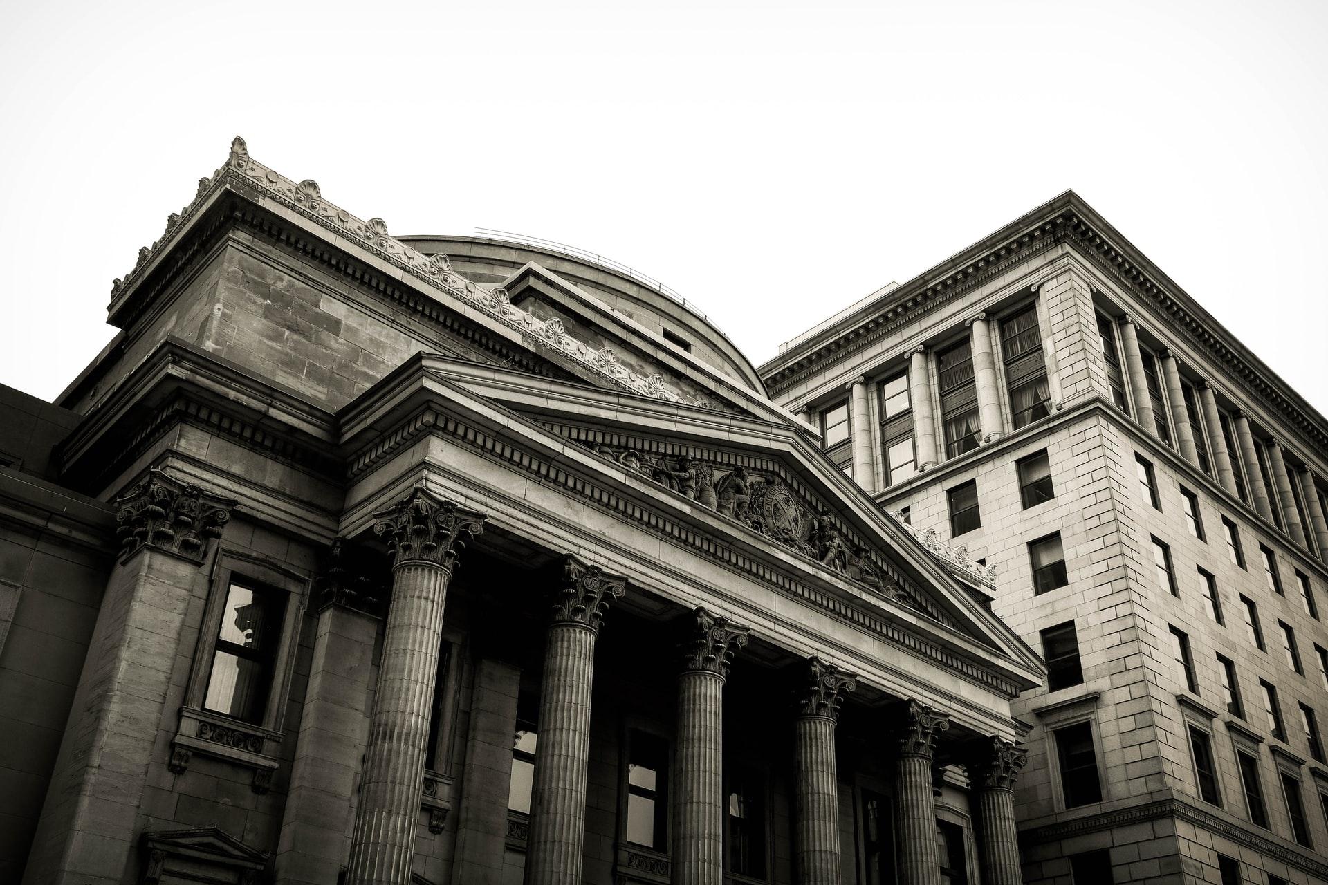 銀行のコーポレートサイト